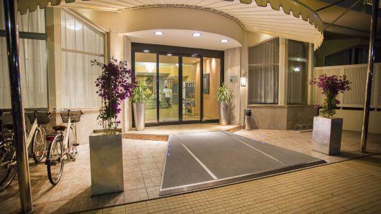 格蘭達酒店