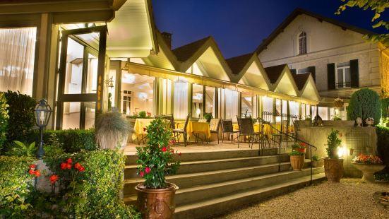 Logis de France - Hotel Relais d'Aumale