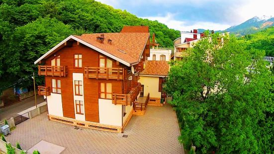 樺樹小屋酒店
