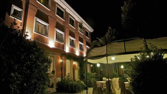維斯卡爾多酒店