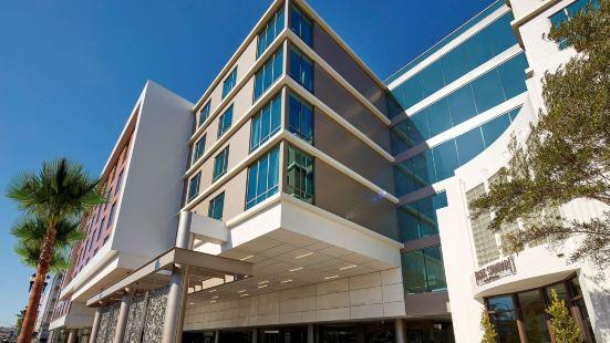 加利福尼亞聖迭戈市中心灣濱希爾頓花園酒店