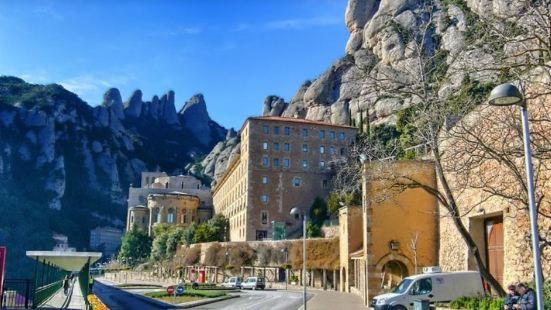 阿巴特西斯內羅斯蒙特塞拉特酒店