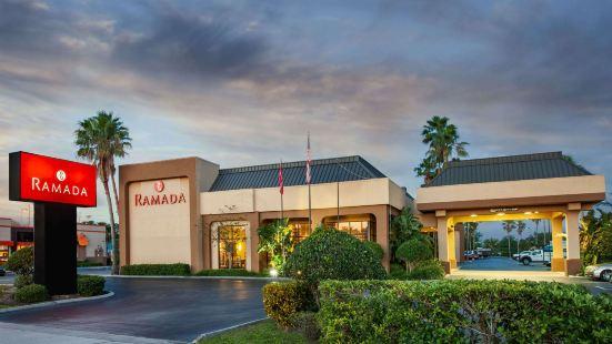 漢普頓奧蘭多/佛羅里達州商城旅館