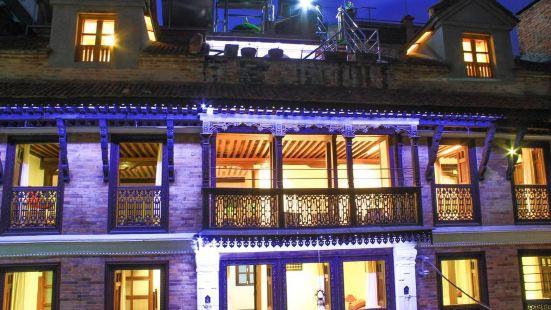Hiranya Guest House
