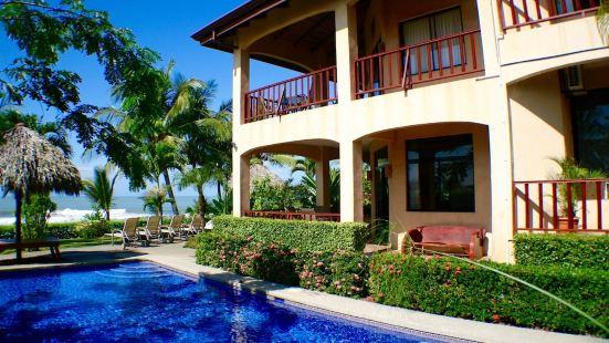 The Backyard Hotel