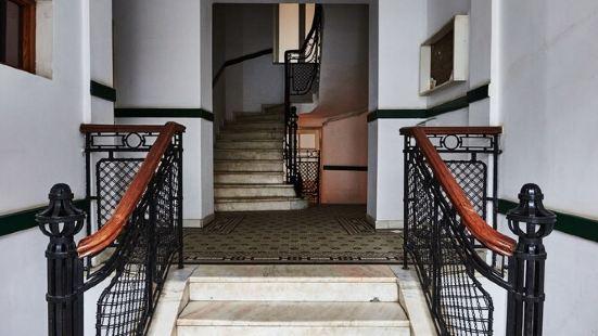 Metropole Apartments Royal Residence