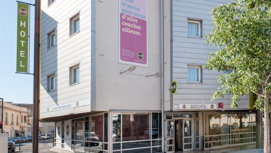 阿萊尼斯尼姆中心住宿加早餐酒店