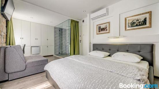 Split Suites - Center Rooms Olga I Petra
