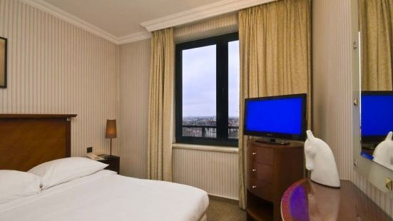 昂比奧裏克斯B公寓式酒店