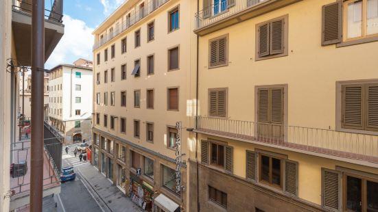 Michelangelo Apartment Near Pontevecchio