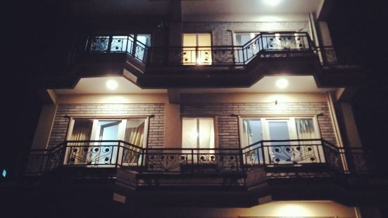 High Ground Inn and Rooftop Restaurant