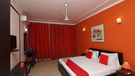 OYO 18304 阿羅拉一流加納酒店