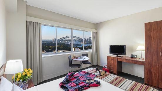 Macleay Hotel Sydney