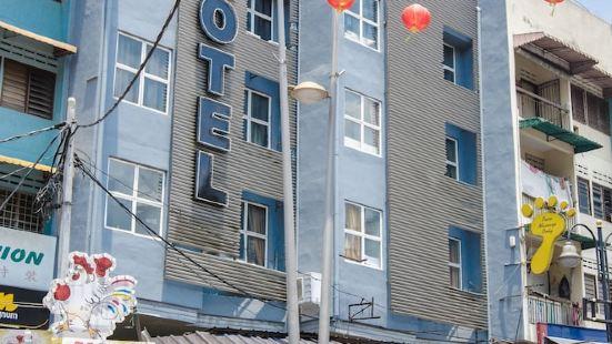 Rich Calton Hotel & Gallery