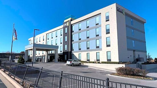 希爾頓塔爾薩山套房酒店