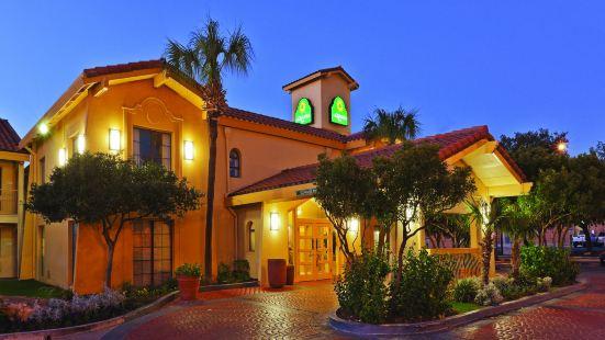 聖安東尼奧市場廣場拉昆塔酒店