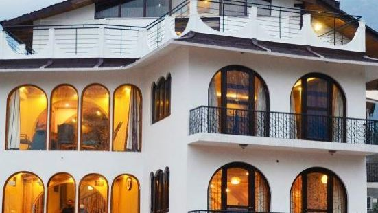 Kashmir Mahal Resorts