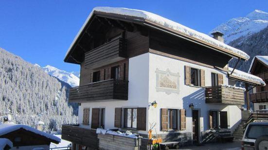 布坎內維木屋