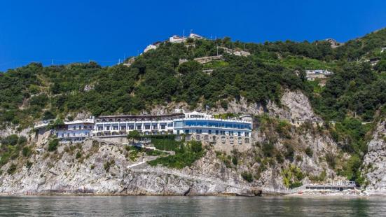 塞圖斯酒店
