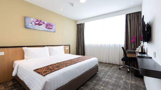 Hotel 7 Suria