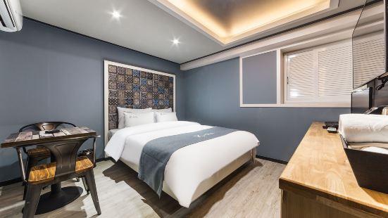 Suwon Yeongtong K Hotel