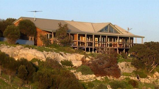 Sea Dragon Lodge & Villas