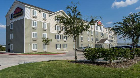 休斯頓 I-45 艾爾泰克斯伍德斯普林套房酒店