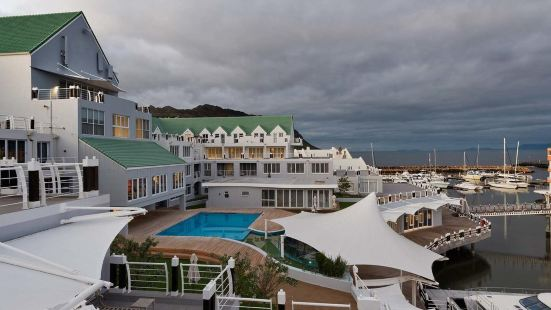 克里斯塔爾海灘酒店