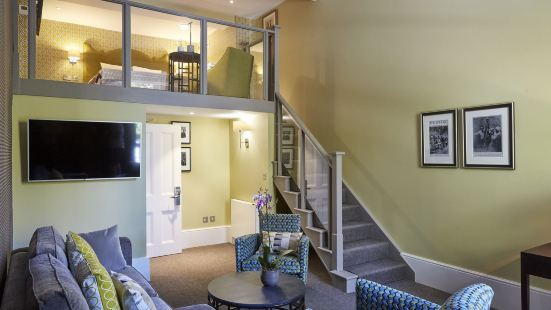 54 퀸스 게이트 호텔