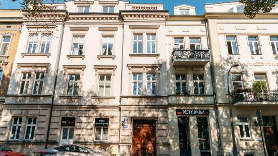 Apartment Downtown by Loft Affair