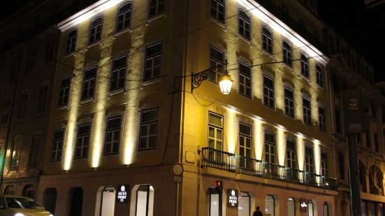 MeraPrime Gold Design Hotel