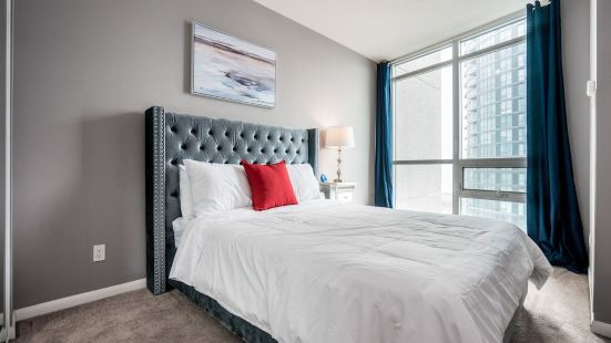 Aaira Suites at Fort York