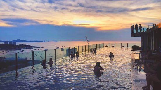 Pattaya Thebase Seaview Infinity Pool