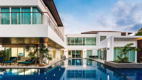 61L 5 Bedroom Villa Mega Pool in Kamala District, Phuket, Thailand