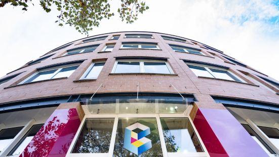 BoxHotel Hannover (App Based Hotel)