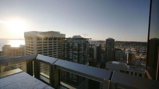 Downtown Seattle Condos by Barsala