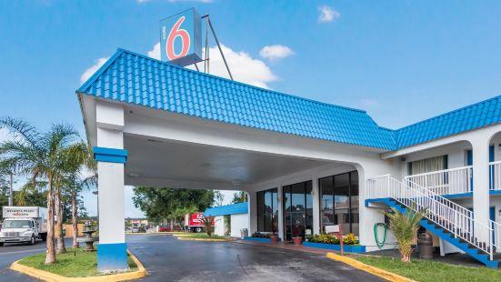 Motel 6 Daytona Beach FL