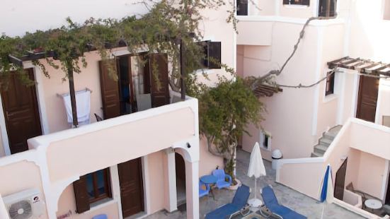 馬卡提斯法拉小鎮公寓酒店