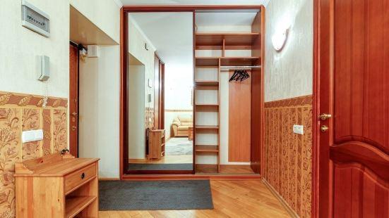 Apartment Smolenskaya 7