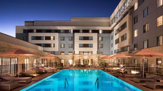 蜂洞奧斯汀聖淘沙集團酒店