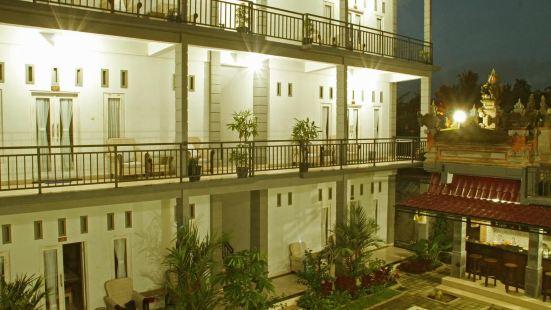 Aya's Lodge