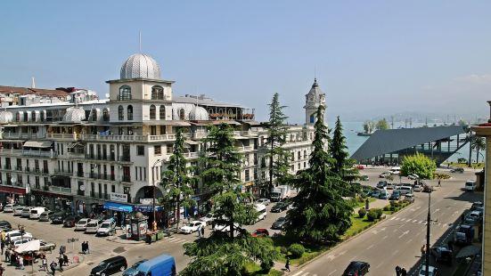 馬爾迪普拉扎酒店