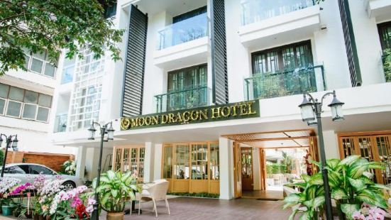 Moon Dragon Hotel