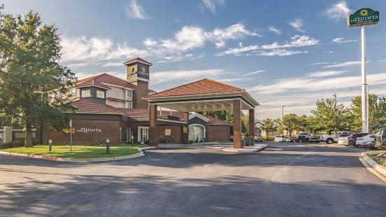 俄克拉荷馬城諾曼拉昆塔套房酒店