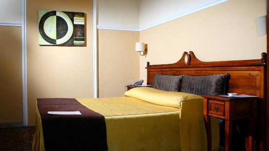 拉可樂吉亞塔旅館