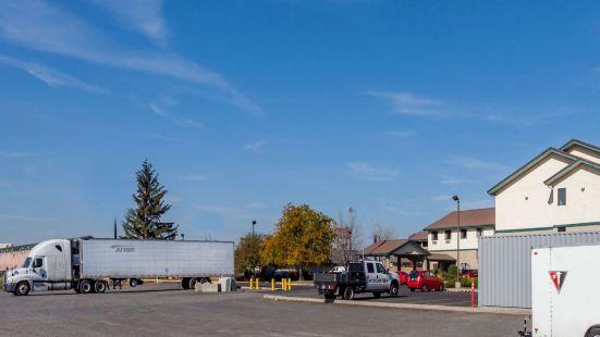 Super 8 by Wyndham Union Gap Yakima Area