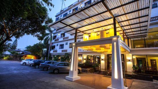 OYO 807 Suan Dok Kaew Hotel
