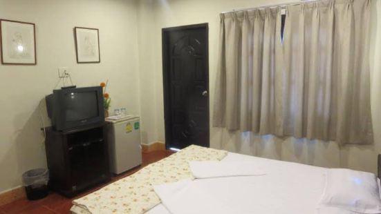 La Gondola Guesthouse and Restuarant