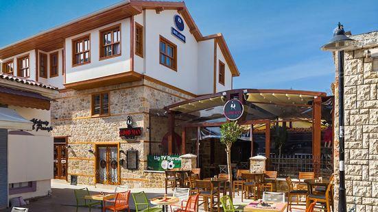 Goodman Hotel & Bistro