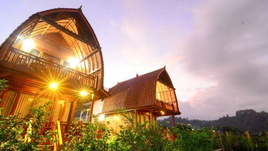 Kedisan Lake View by Atharva Bali